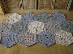 Mosaic crochet rug | petelkowo.pl