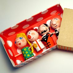 Wonderful wine cork circus characters in giant matchbox with photo tutorial and box pattern