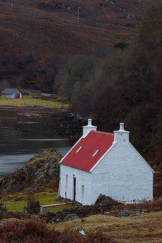 Loch Sheildaig, Scotland - enchanting cottage and scenery