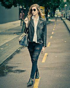 The Luxury & Fashionable Skinny Denim Jeans by Carolina Wyser are available at WWW.FINAEST.COM. Chiara Ferragni is already a fan! | #carolinawyser #finaest #denim #jeans #chiraferragni #fashion #moda #mode #womenswear #theblondesalad #fashionblogger