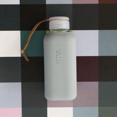 SQUIREME GLASS BOTTLE Y1 CONCRETE – Kladi Glass Bottles, Concrete, Water Bottle, Drinks, Drinking, Beverages, Water Bottles, Drink, Beverage