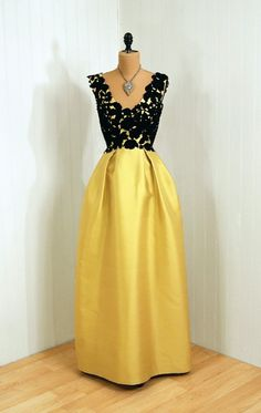 1950s dress via Timeless Vixen Vintage