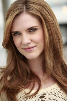 Sara Canning as Jenna Sommers, a nurse who died by Klaus Mikaelson.