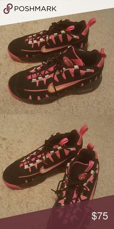 Nikes Never worn great condition . No box, the fit a kids size 6. Nike Shoes Sneakers