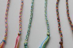 An easy friendship bracelet to TEACH.  This will be today's quiet time activity, oh yeah!