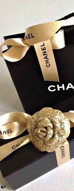 Chanel Under the Tree is Always a Good Thing! ♕BOUTIQUE CHIC♕