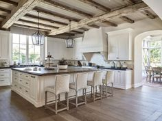 Traditional kitchen with rustic reclaimed ceiling beams. Traditional white kitchen with rustic reclaimed ceiling beams. Traditional kitchen with rustic reclaimed wood ceiling beams Candelaria Design Associates Country Kitchen Designs, French Country Kitchens, Rustic Kitchen Design, Interior Design Kitchen, Rustic Design, Country Interior Design, Farmhouse Design, French Country Bathroom Ideas, Interior Livingroom