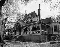 Joel Chandler Harris House Also Known As The Wrens Nest Or Snap Bean Farm