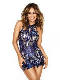 Click to view full size image J Lo Fashion, Star Fashion, Womens Fashion, Jennifer Lopez Body, Pictures Of Jennifer Lopez, Star Wars, Fashion Advice, Sexy Women, Vestidos