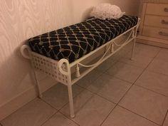 Found on EstateSales.NET: Bedroom Bench
