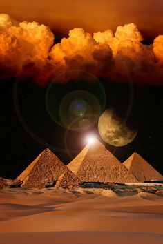 The pyramids in Egypt Egyptian Mythology, Egyptian Symbols, Egyptian Goddess, Egyptian Art, Ancient Egypt Art, Ancient Aliens, Ancient Civilizations, Amazing Nature, Beautiful
