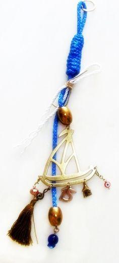 Χειροποίητα γούρια 2015 απο ορείχαλκο κοσμηματοποιίας σε ματ ή γυαλιστερές αποχρώσεις, δεμένα με σατέν κορδόνι και κορδέλες. Paracord, Plant Hanger, Tassel Necklace, Macrame, Christmas Crafts, Jewelry, Jewlery, Jewerly, Schmuck