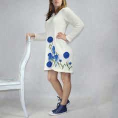 Bawełniana sukienka z kolekcji KWIATY POLSKIE -CHABER - rozm.36-44 robiona na drutach, a haftowane aplikacje wykonane ręcznie