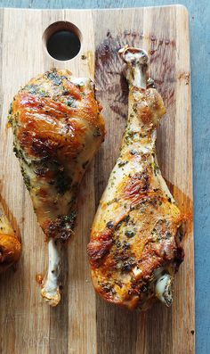 Forget the (Whole) Bird! 21 Turkey Recipes for a Small Thanksgiving - Indulge in Oven Roasted Turkey Legs this Thanksgiving. Small Turkey Recipe, Turkey Leg Recipes, Turkey Drumstick Recipe, Pumpkin Recipes, Turkey Drumsticks, Turkey Wings, Turkey Thighs, Thanksgiving Turkey, Thanksgiving Recipes