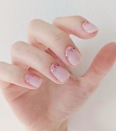 18 Glitter Nail Designs to Give You All the Festive Manicure Inspo Dry Nails, Shellac Nails, Nude Nails, Glitter Nails, Wedding Nail Polish, Wedding Nails, Nail Polish Designs, Nail Art Designs, Design Art