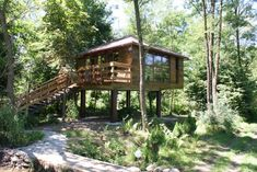 Perfect Place, The Good Place, Great Places, Places To Go, Architecture Today, Wild Forest, A Frame House, Large Backyard, Green Landscape