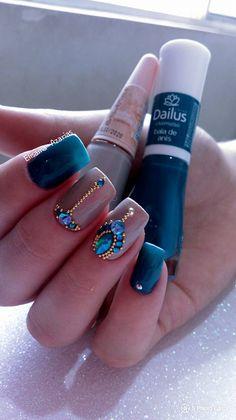 89 Melhores decorações do grupo de Unhas Decoradas Fabulous Nails, Gorgeous Nails, Pretty Nails, Classy Acrylic Nails, Easter Nail Designs, Studded Nails, Luxury Nails, Foto Art, Bridal Nails