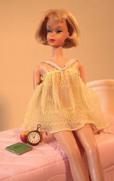 Vintage Barbie Sweet Dreams or YELLOWBaby Doll PJ Top & PantiesBlue Ha PomponsBrass ClockDiaryWax AppleFeatures textured sheer tricot baby doll pajamas Play Barbie, Barbie Dream, Barbie And Ken, Girl Barbie, Barbie Stuff, Vintage Barbie Clothes, Doll Clothes, Vintage Dolls, Pom Poms