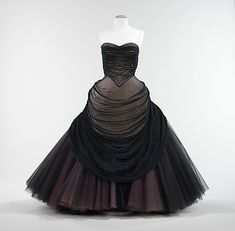 """""""Swan""""  Charles James  (American, born Great Britain, 1906–1978)    Date:      1953  Culture:      American  Medium:      silk"""