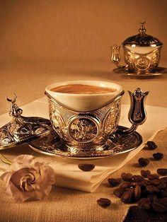 Du café ... aux arômes d'arabica! ... Romantique moment!  ️