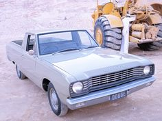 1967 Dodge (VE Valiant) Tradesman Ute - Press Photo Chrysler Valiant, Australian Cars, Car Brochure, Dodge Trucks, Press Photo, Brochures, Mopar, Cars And Motorcycles, Classic Cars