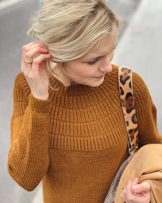 Ravelry: Anker's Sweater - My size pattern by PetiteKnit Raglan, Ravelry, Purl Stitch, Sweater Knitting Patterns, Knitting Sweaters, Work Tops, Stockinette, Jumpers For Women, Ladies Jumpers
