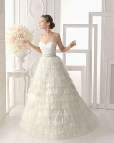 2015 Amazing A-line Court Train Sweetheart Sashes Ruching New Arrival Wedding Dress