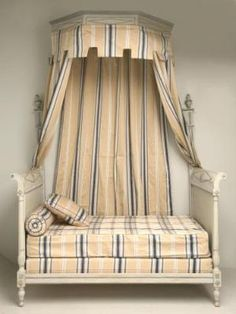 Antique french style canopy bed