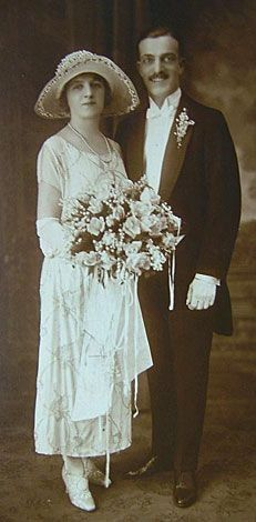 """Dapper bride and groom"" in vintage attire, by Olde Crow Antiques & Primitivfes Vintage Wedding Photography, Vintage Wedding Photos, Vintage Bridal, Vintage Weddings, Wedding Pictures, Wedding Attire, Wedding Bride, Wedding Gowns, Bride Groom"