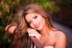 Click the pic for 26 ideas, posing, and clothes for gorgeous senior pictures, portraits for girls, North Texas photographer Lisa McNiel