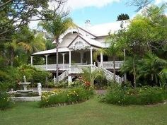 Queenslander House, Interior Garden, Old Houses, Australia, Cabin, Mansions, House Styles, Outdoor Decor, Homes