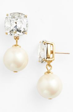 Ladylike drop earrings.