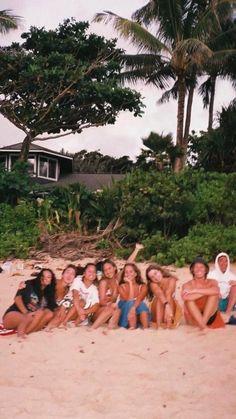 Cute Friend Pictures, Best Friend Photos, Best Friend Goals, Beach Aesthetic, Summer Aesthetic, Summer Pictures, Beach Pictures, Film Pictures, Summer Vibes