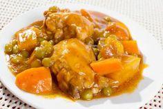 Pollo guisado con verduras ¿Has probado el pollo guisado con verduras? Una receta de cuchara muy saludable con guisantes, zanahorias y unas almendras que le dan [...]