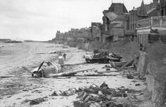 D-Day, Then and Now (38 Photos)   The D-Day invasion — 156,000 U.S., British and Canadian forces storming five beaches along 50 miles of the Normandy region of France — took pl...
