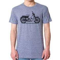 Honda Cafe Racer Motorcycle T-Shirt XL Athletic Gray: Hand Printed Graphic. An ultra-soft, slim-fit, ultra-comfy unisex T-shirt that feels like you've owned it for years the moment you put it on, and for years to come. Bmw Classic Cars, Classic Car Show, Motorcycle Men, Cafe Racer Motorcycle, Camisa F1, Cb750 Cafe Racer, Honda Cb750, Honda Motos, Honda Scrambler