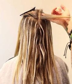 6 tips for giving yourself incredible at home hair highlights 8 easy steps to diy balayage hair color at home diy experience solutioingenieria Gallery