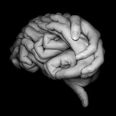 Neuroscience = this may be the nerd in me, but I think this is cool! Brain made of hands! Conceptual Photography, Abstract Photography, Medical Photography, Poetry Photography, Photography Lessons, Jolie Photo, Optical Illusions, Black And White Photography, Human Body