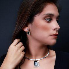 Prahctige set (hanger en oorbellen) met onyx  http://www.dczilverjuwelier.nl/edelstenen-sieraden/edelstenen-sieraden-sets