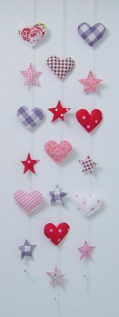 my mom would probably like this one Christmas Sewing, Christmas Diy, Christmas Stars, Mobiles, Valentine Day Love, Valentines, Crafts To Make, Diy Crafts, Sewing Projects