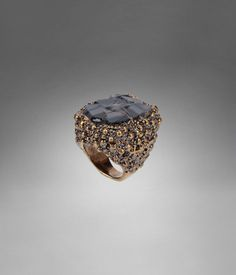YSL Shadow Chevaliere Ring in Gold-Toned Brass & Black Agate