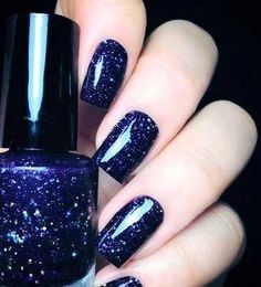 Blue nails :3