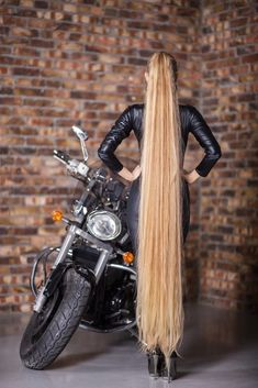 Really Long Hair, Super Long Hair, Different Hairstyles, Cool Hairstyles, Silky Smooth Hair, Glossy Hair, Extreme Hair, High Ponytails, Hair Brained