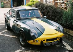 Triumph GT6 MkII with Le Mans style bonnet by Chi Bellami, via Flickr
