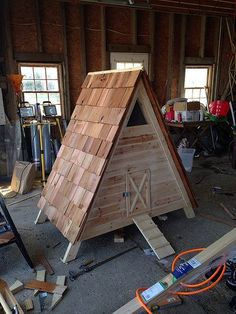 Great how to on an a-frame duck house!