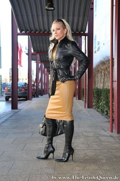 Fur Fashion, Leather Fashion, Fashion Outfits, Womens Fashion, Black Leather Skirts, Leather Dresses, Hobble Skirt, Vinyl Dress, Glamorous Outfits