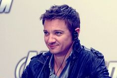 Jeremy Renner ... OMG ... The smirk ... What must he be thinking ...