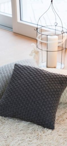 Gründl - feeling for wool - DIY-Findlinge - Stricken Small Pillow Covers, Small Pillows, Knit Pillow, Wool Pillows, Drops Design, Crochet Cushions, Knit Crochet, Square Blanket, Knitted Blankets