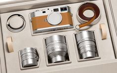 Oh boy! Isn't it the most beautiful piece of camera equipment ever made? I have serious Leica envy again. Leica M, Leica Camera, Camera Gear, Film Camera, Nikon Dslr, Antique Cameras, Old Cameras, Vintage Cameras, Photography Equipment