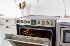 How To Clean an Oven with Baking Soda & Vinegar — Cleaning Lessons from The Kitchn